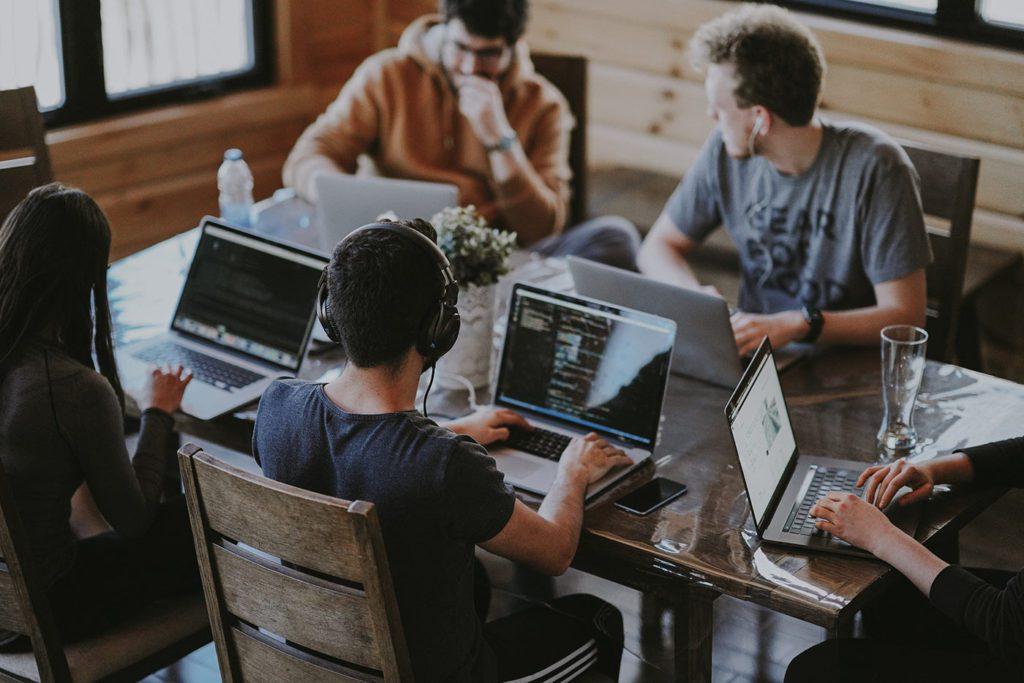 Recruter-alternance-design-communication-web